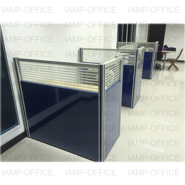 โต๊ะคอมพิวเตอร์ สีเมเปิ้ล/ดำ รุ่น LILY  พร้อมพาร์ทิชั่นครึ่งกระจกขัดลาย